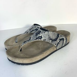 NWOB Vince Padma Snakeskin Thong Sandals Size 9